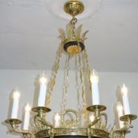 VERKAUF-Nr. 9 Antiker Kronleuchter im Stil des Klassizismus