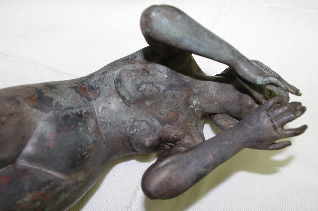 Bronzefigur im Detail