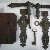 Antike Türbeschläge Türschloss restaurieren